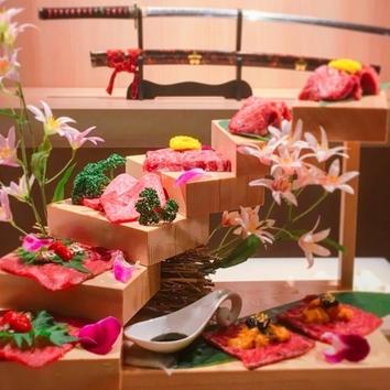 花の階段盛り■入門コース(9品+お肉7種+甘味)