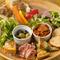7~8種類の前菜をたっぷり楽しめる『ホワイトレインボープレート』