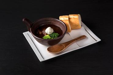神戸牛の旨味が凝縮された『自家製ローストビーフ』