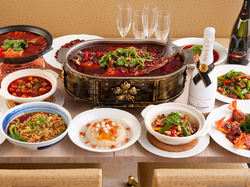 本場の四川料理から手作り点心まで楽しめるコースです