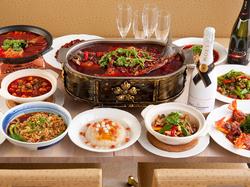 本場の四川料理を120%楽しめるコースです、しかも約60品以上ドリンク2.5時間飲み放題付きでお得!