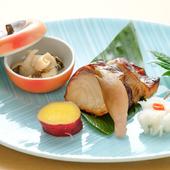 白身魚の中でも脂ののりは最上級、上質な甘みととろける口当たりが絶品『アブラボウズの幽庵焼き』