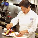 新鮮な気持ちで楽しんでもらうため、毎年季節の料理を刷新