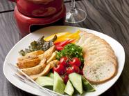 新鮮野菜をたっぷりと楽しむ『チーズフォンデュ』