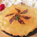 羽が濃厚チーズで出来てます。パリパリのチーズにワインがすすむ人気メニュー。
