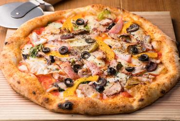 厳選した食材の美味しさが重なり合う『Pizza  瀬戸内のたこ』