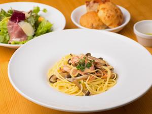 旬の国産食材を取り入れた、季節の『パスタランチ』
