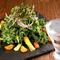 栄養たっぷりの『フレッシュケールサラダ』