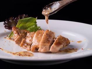 『熊本ハーブ鶏のオーブン焼き ハニーマスタードソース』
