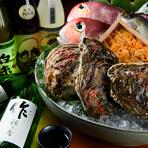 食材だけでなく引き立ててくれる日本酒も吟味を重ねた銘柄がラインナップ。地元の酒屋が選ぶ四季のお酒を、料理長が試飲し、料理とのペアリングを考え入手しています。月毎にかわる限定酒もオーダー必須の逸品。