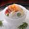 有田焼を中心に、料理と調和し、季節を映す名陶磁器も愛でられる