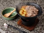 甘口でどこか懐かしい味の『土鍋でちょっぴり贅沢肉じゃが』