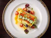 息をのむ美しさ! カラフルな野菜たっぷりの『テリーヌ』