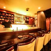 一人の時間も宴会にも最適な、大人の雰囲気漂う空間