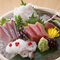 旬の魚介を味わえる『お造里五種盛り合わせ』