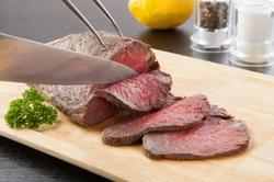 国産サーロインステーキ200gと神戸の食の伝統も味わえるお腹も心も満足なコース。