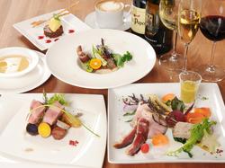 季節の沖縄県食材を使用した、上質な琉球モダンフレンチコースです。 4480円~