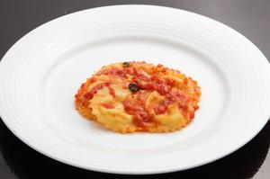 埼玉県産の小麦で作るラビリオとチーズが旨い『イタリア産5種チーズを詰めたラビオリ トマトソース』