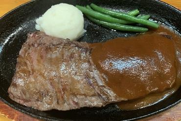【らいおんの子】に来たら先ずはコレ。肉そのものの味・食感が堪らない『ジャンボステーキ/300g』