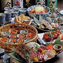 新鮮な海鮮・肉を様々なお料理にてご堪能。獺祭45と日本酒20種とPREMIUM飲み放題付きでお得です♪