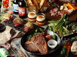 サーロインとヒレが一度に楽しめるTボーンステーキは味も迫力も一級品!記念日や誕生日、合コンに人気です!