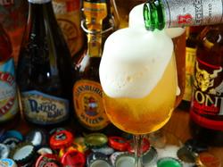 生ビールをはじめ約70種類以上のドリンクが飲み放題♪お料理はアラカルトでのご注文になります♪