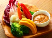 野菜も新鮮! 彩りも鮮やかで食が進む