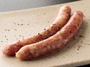 プレミア豚の生ソーセージは肉汁が圧倒的『岩手県花巻産白金豚 生ソーセージ・1本』