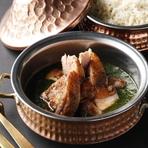 仔羊肉と杏のタジンとアラビアンブレッド