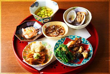 日本酒と共に『ちびり盛り合わせ』