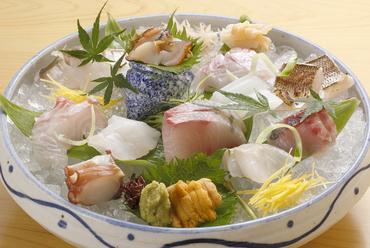 朝どれの鮮魚をその日のうちにご提供『お造り盛り合わせ』