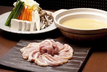 12時間かけて煮込んだ絶品スープ! 『大山軍鶏の鶏白湯スープ鍋』
