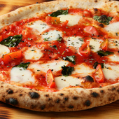 モチモチの生地&水牛モッツァレラが美味『ピザ・マルゲリータ』