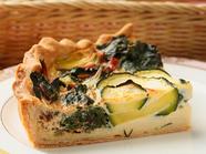 すべて自家製の野菜を使ったヘルシーメニュー『飛騨産野菜のキッシュ』