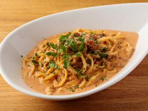 生ウニをふんだんに使用した濃厚な味わい『ウニクリーム・タリオリーニ』