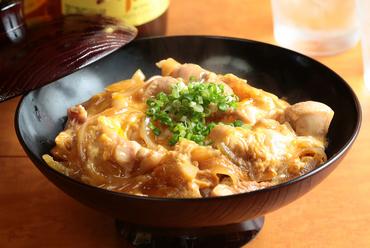 自慢の鶏肉と卵を使った『親子丼』