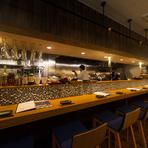 心地良いプライベート空間。美味しい料理とお酒に会話が弾む