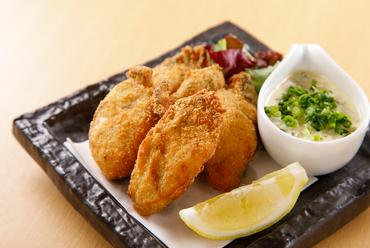 大ぶりでまろやかな味わいの広島県産牡蠣を堪能。日本酒に最適な『カキフライ ~和風タルタルソース~』