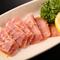 美味しい肉を厳選。一人でお腹一杯食べられるお手頃価格も魅力