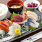 早川漁港の鮮魚をリーズナブルに堪能できる『お刺身定食』