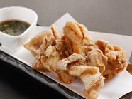 特製のタレで味わうジューシィな『鶏の唐揚げ』