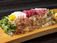 とろけるように柔らかく、味わい深い『特選 熊本【古閑牧場】の特上桜肉盛り合わせ』