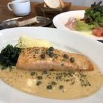 前菜3種盛り合わせ+スープ+本日の魚料理+バケット+デザート+コーヒー付き ※当日のメニューはFACEBOOKページ・インスタグラムでご確認ください