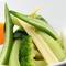 一味違う温野菜と、スペシャルなカクテルのコンビ