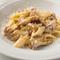 ヨーロッパのきのこを味わうひと皿『フィンフェルリ茸のクリームペンヌッチエ』