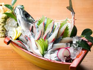 新鮮な鯖料理が楽しめる『鯖姿造里』