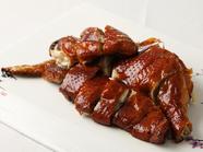 厳選した上質な鶏肉を使用『香港名物金鶏の丸揚げ』