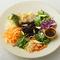 夏野菜とレモングラスのタイ風クリュディサラダ