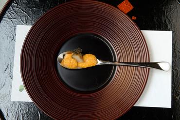 スプーン一杯で知れる、贅沢な奥深さ『一口特選料理』