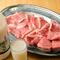 こらわりの肉をゆったりとした空間で、食べ尽くせる盛り合わせ
